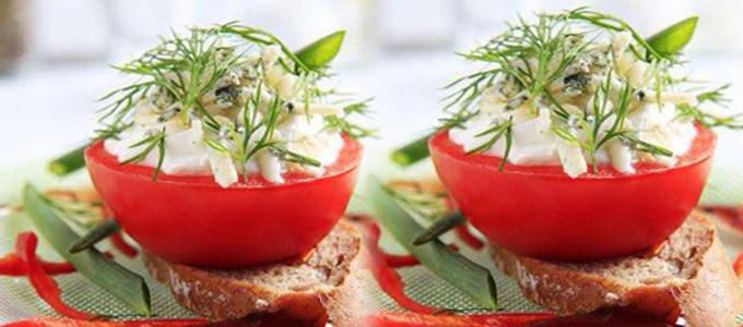 Tomates farcies à l'agneau et Ossau-Iraty