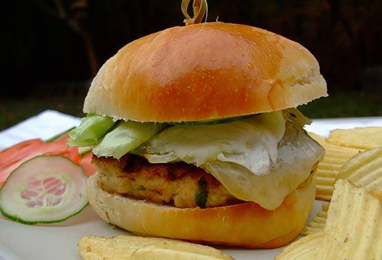 Burger de poulet au fromage de brebis Ossau Iraty
