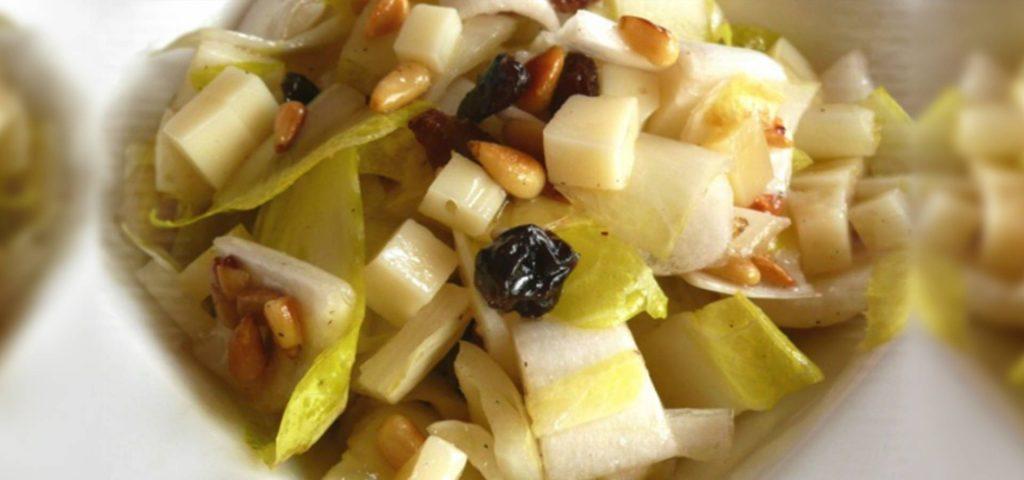 Salade d'endives aux pignons, raisins secs, Ossau-Iraty & miel